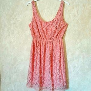Forever 21 pink sleeveless lace dress size small